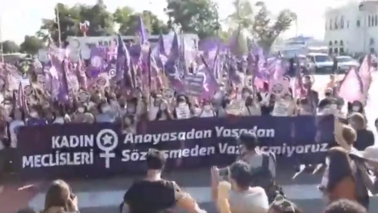 Kadınlar İstanbul Sözleşmesi için Kadıköy'de buluştu