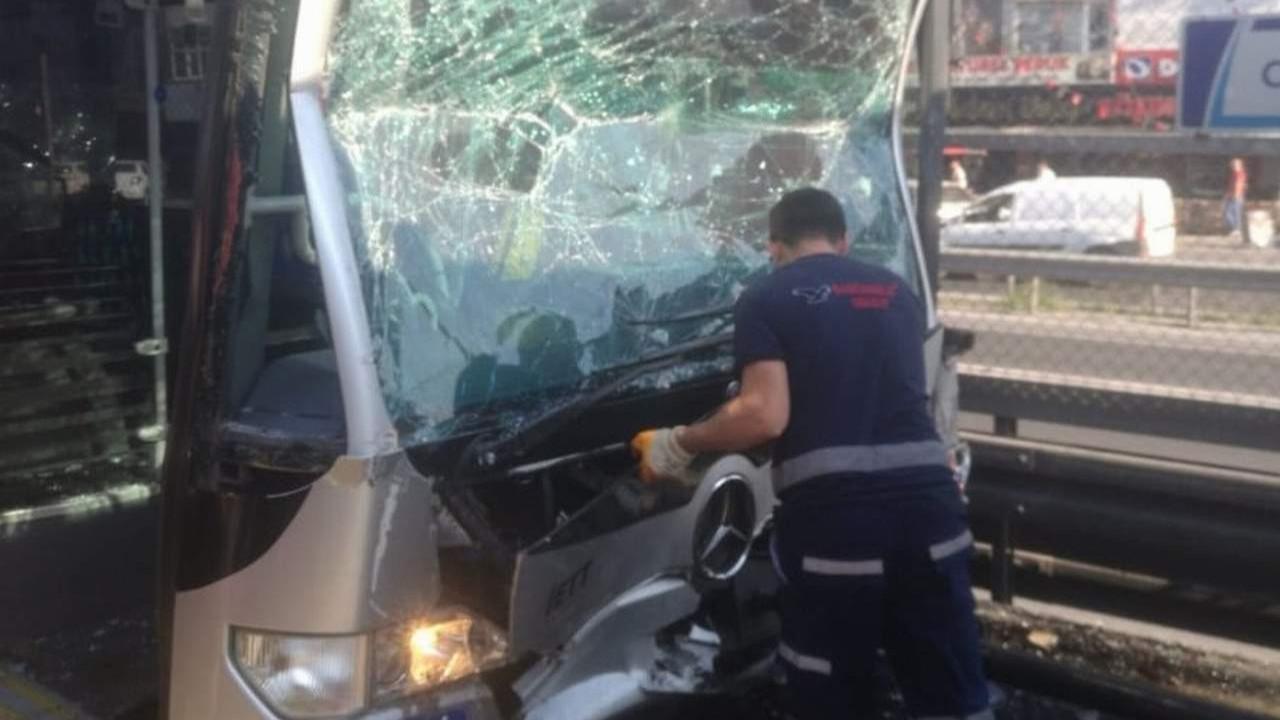 İstanbul'da metrobüs kazası... 24 yaralı var, görüntüler korkunç!