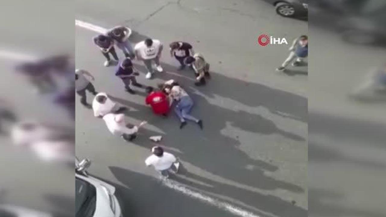 İstanbul'da dehşet: Herkesin gözü önünde üst geçitten atladı
