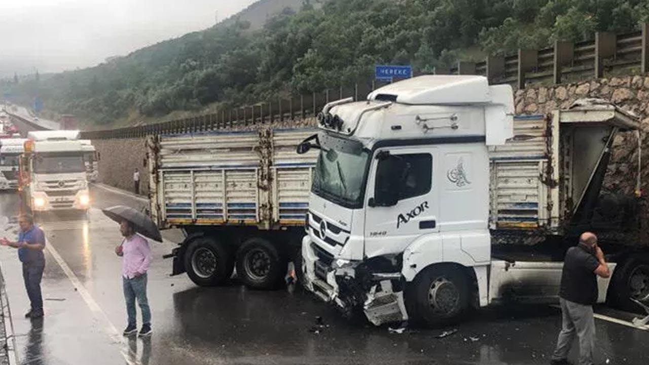D-100'de kaza: Ankara yolu trafiğe kapatıldı