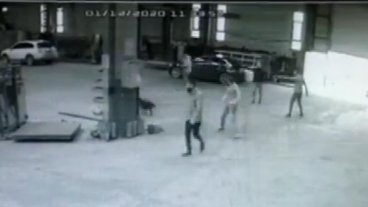İstanbul'da film sahnelerini aratmayan silahlı baskın kamerada
