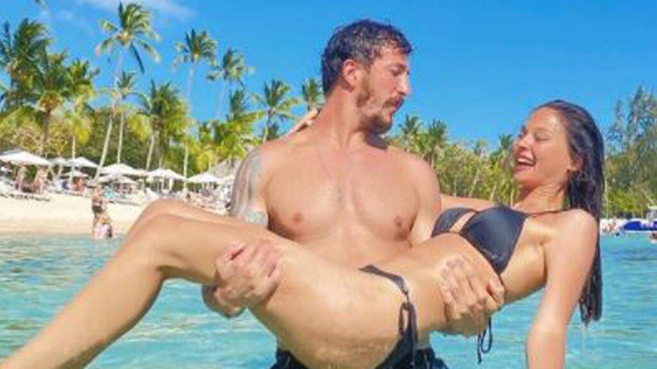 Survivor Berkan Karabulut ve sevgilisi tatilde aşka geldi
