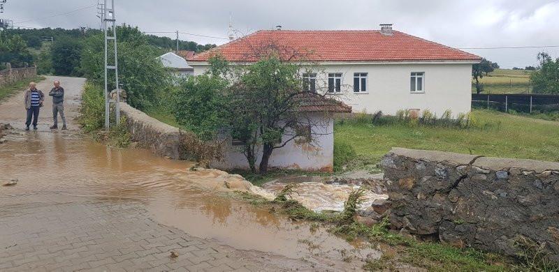 Bir ilimizi daha sel vurdu! Tarım arazileri sular altında
