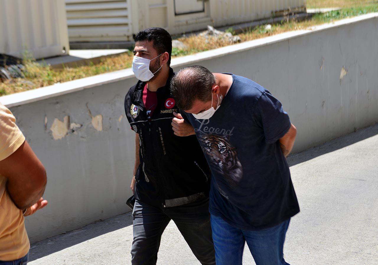 Adana'da uyuşturucu baskını: Sıfır Bir dizisinin oyuncusu gözaltına alındı - Resim: 4