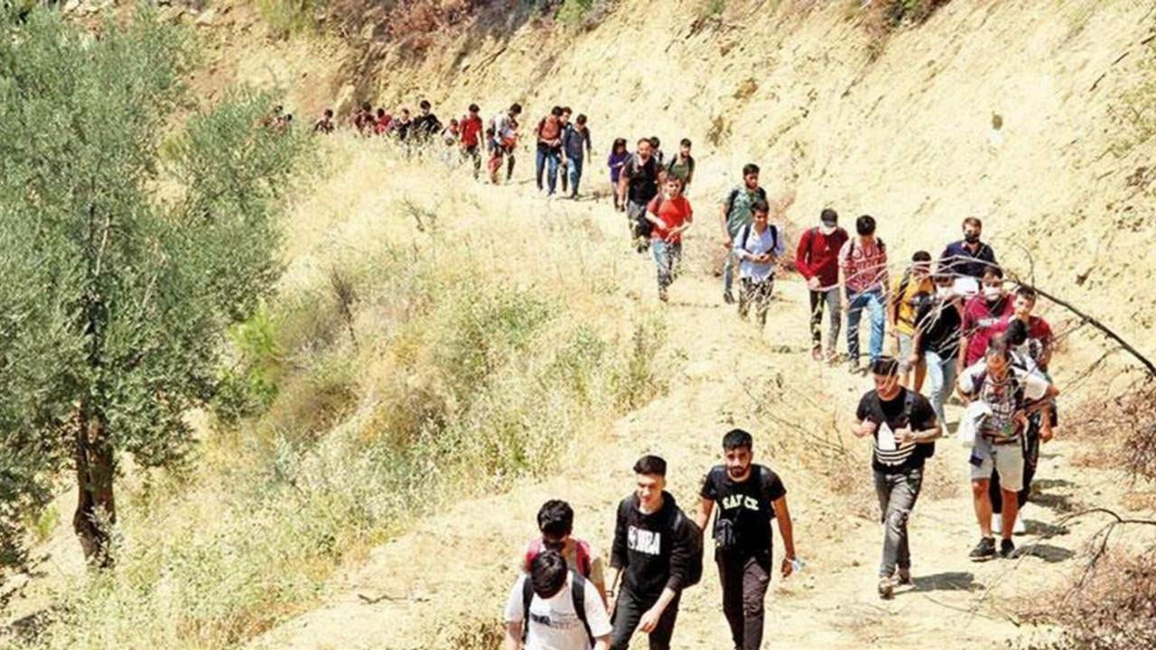 Suriyeliler yetmezmiş gibi... Şimdi de onlar geliyor!