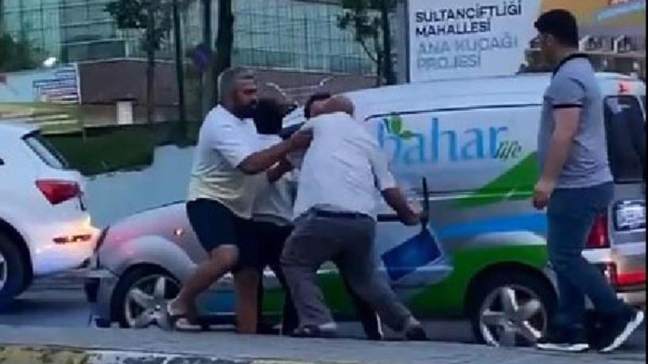 İstanbul trafiğinde ''kazmalı'' maganda dehşeti