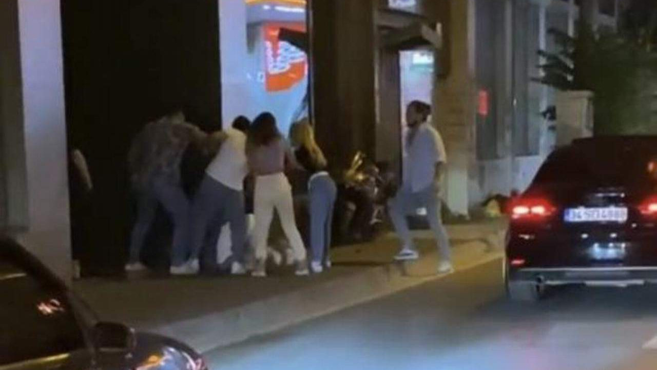 İstanbul'da kadına yumruklu saldırı kamerada