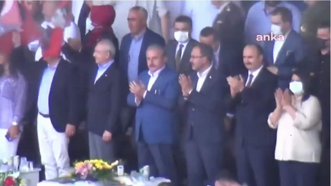 Meclis Başkanı ve AK Partililerden Atatürklü Türk bayraklarına veto