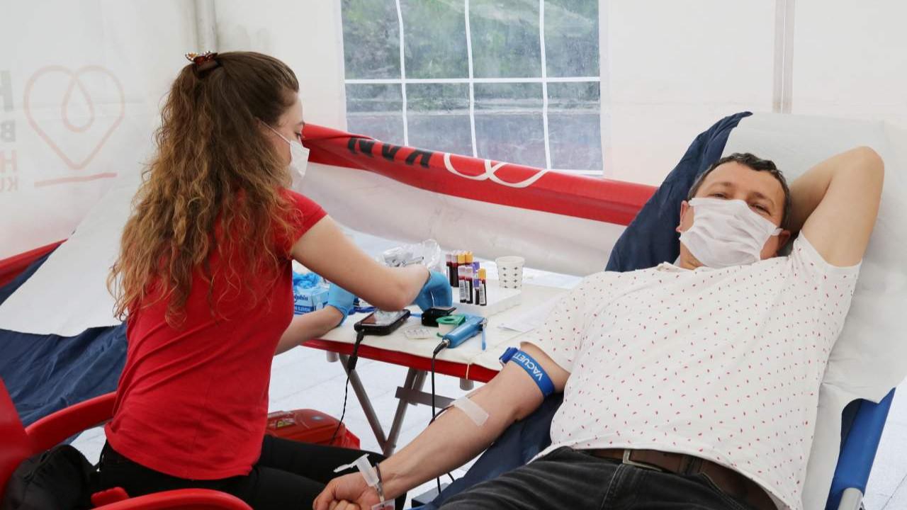 Küçükçekmece Belediye personelinden kan bağışı