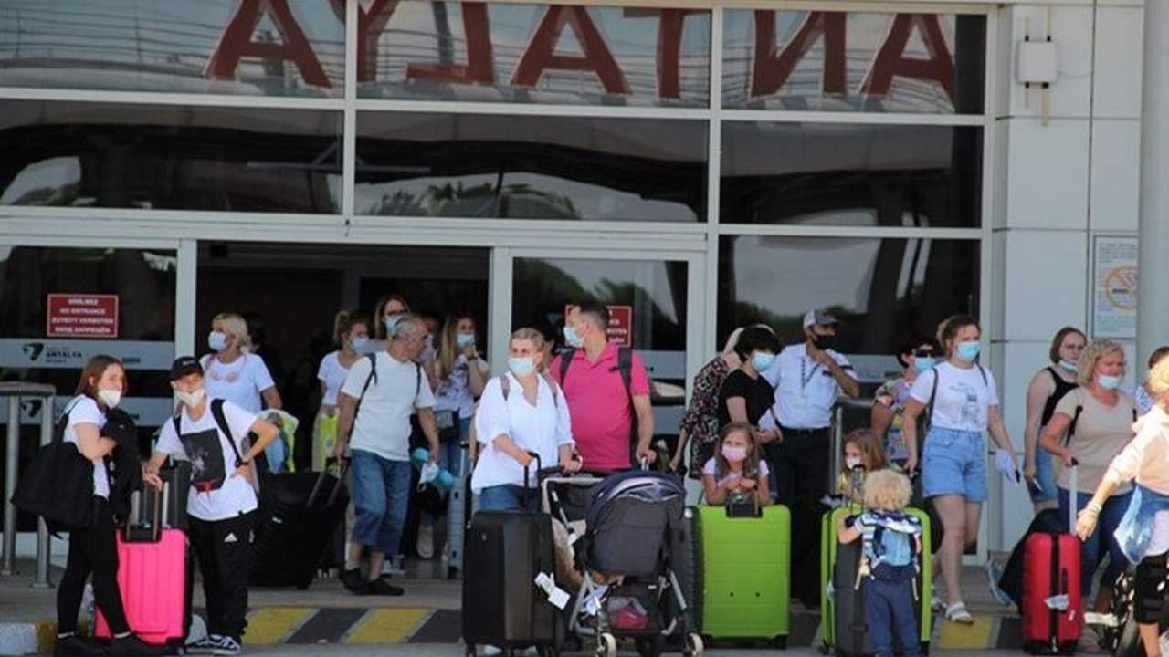 İşte Antalya'ya 2 günde gelen turist sayısı