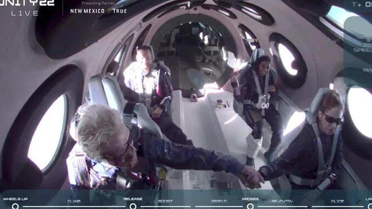 Dünyada bir ilk: Uzay yolculuğunun bedeli 300 bin dolar...