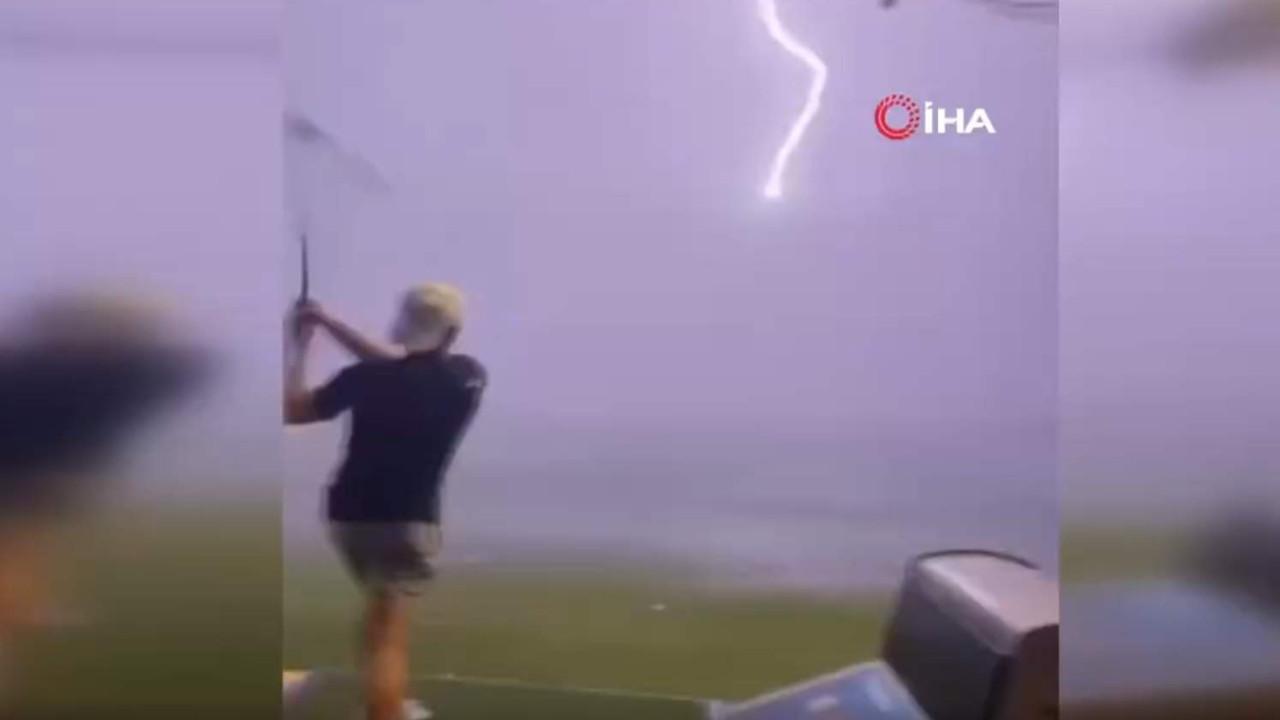 Golft topuna havada yıldırım çarptı... O anlar kamerada