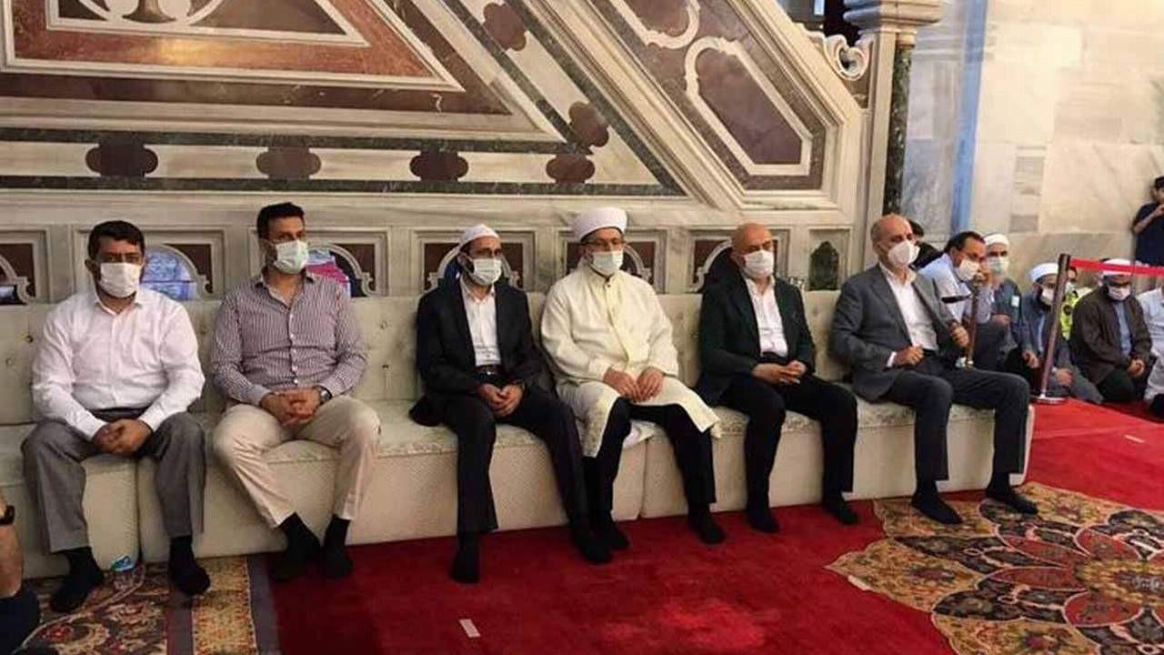Camide ''protokol koltuğu'' ayıbı