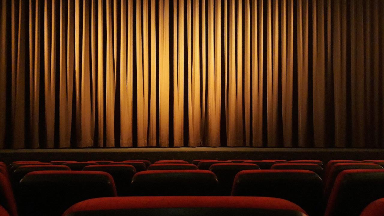 Sinema biletlerinde ''sıfır vergi'' için devam kararı