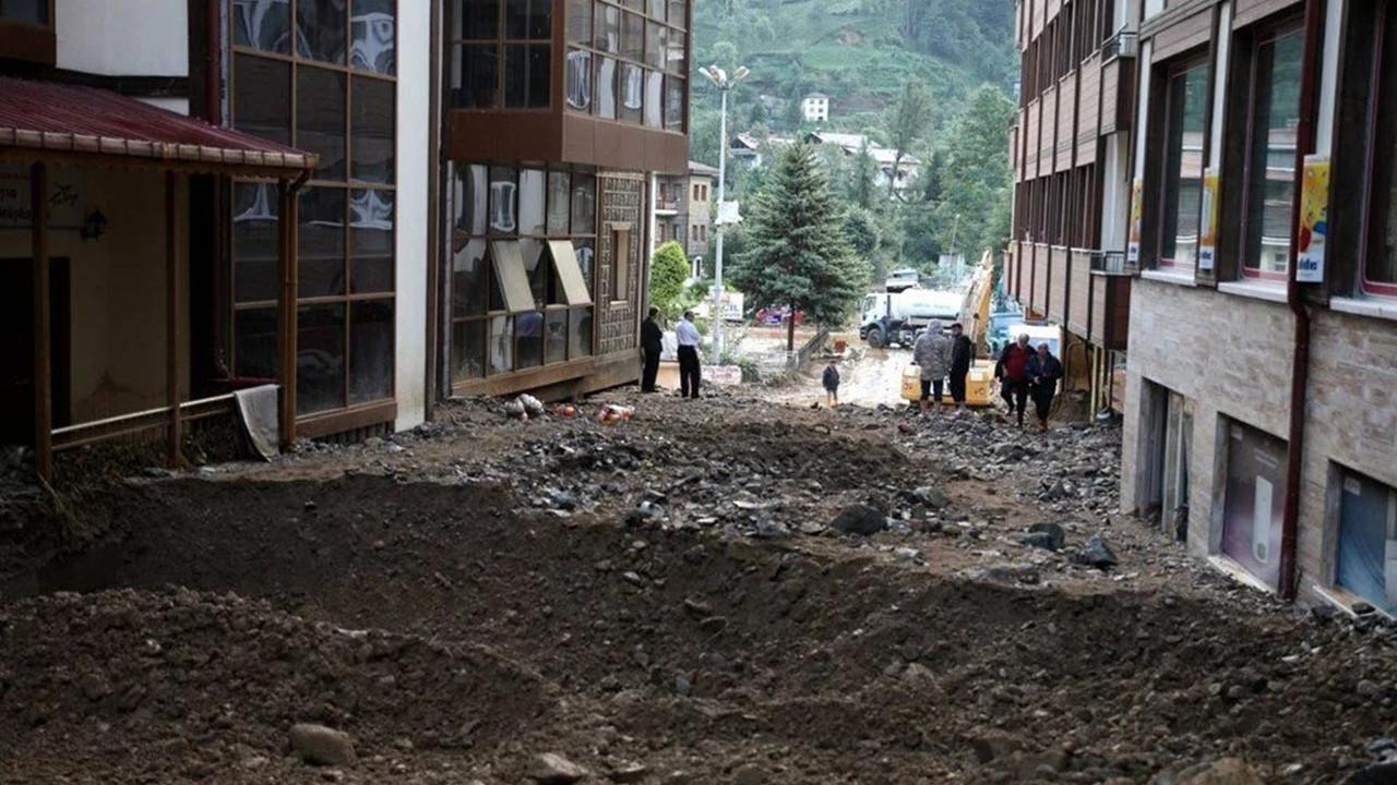 Rize'de sel ve heyelan felaketi: Ölü sayısı 7'ye yükseldi