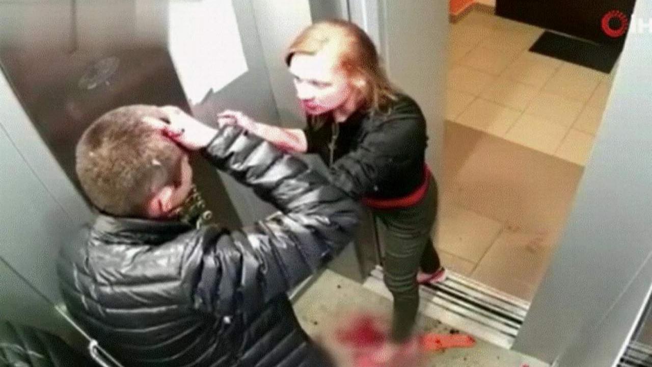 Genç çiftin asansördeki kanlı kavga kamerada