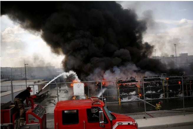 Otomobil fabrikasında dev patlama