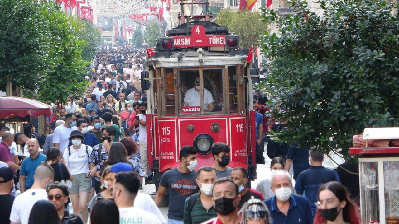 Bayram arefesinde Taksim'de korkutan kalabalık - Resim: 3