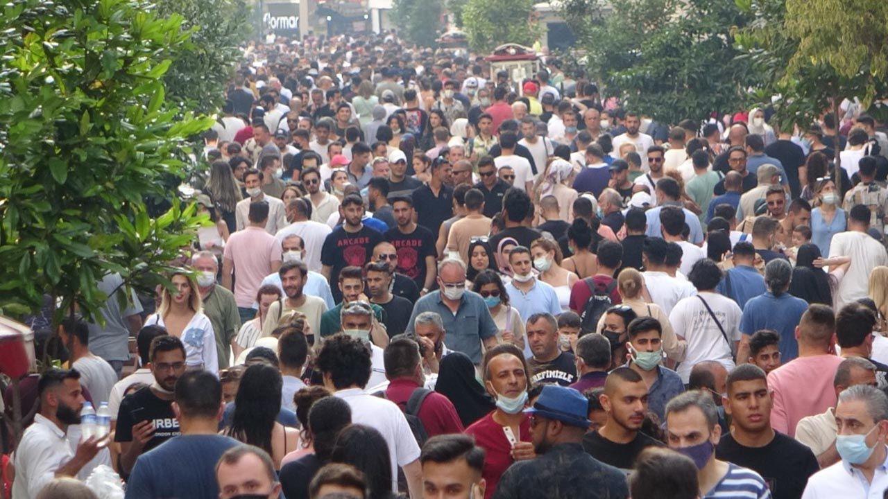 Bayram arefesinde Taksim'de korkutan kalabalık - Resim: 4