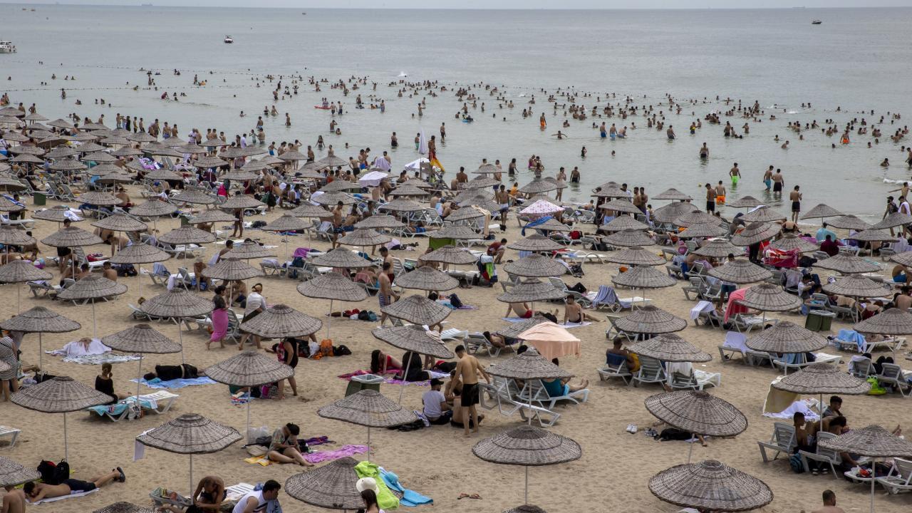 İstanbul plajları İstanbullulara kaldı