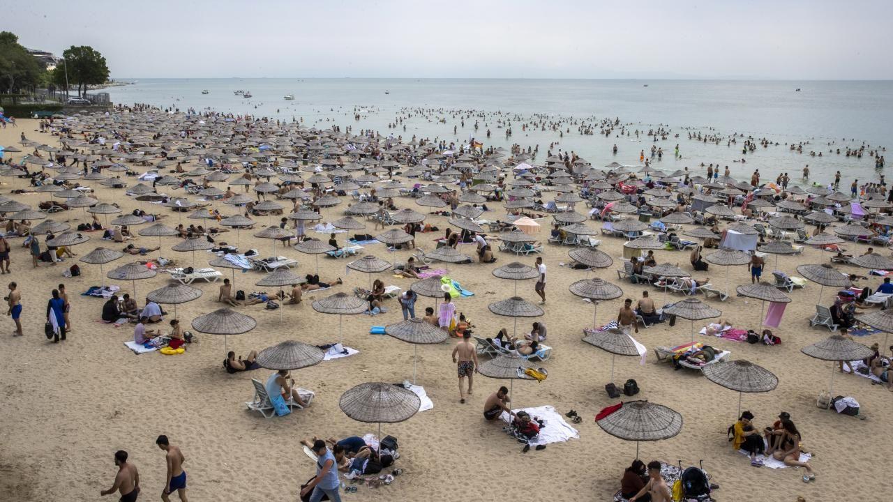 İstanbul plajları İstanbullulara kaldı - Resim: 3
