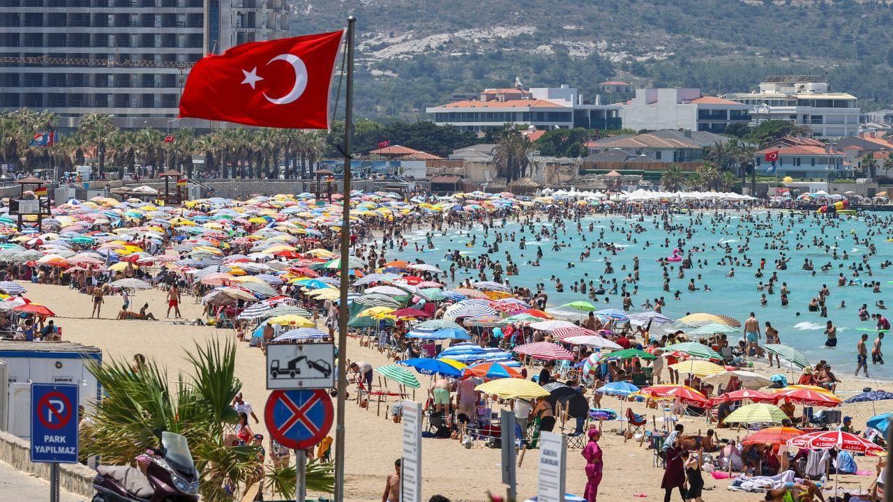 Türkiye'nin tatil cennetinde nüfus 1 milyonu aştı - Resim: 1