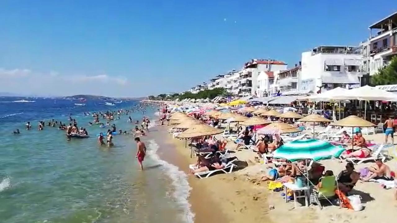 Ege'ye, Akdeniz'e gidemeyen İstanbullular soluğu orada aldı... Nüfus 15 kat arttı