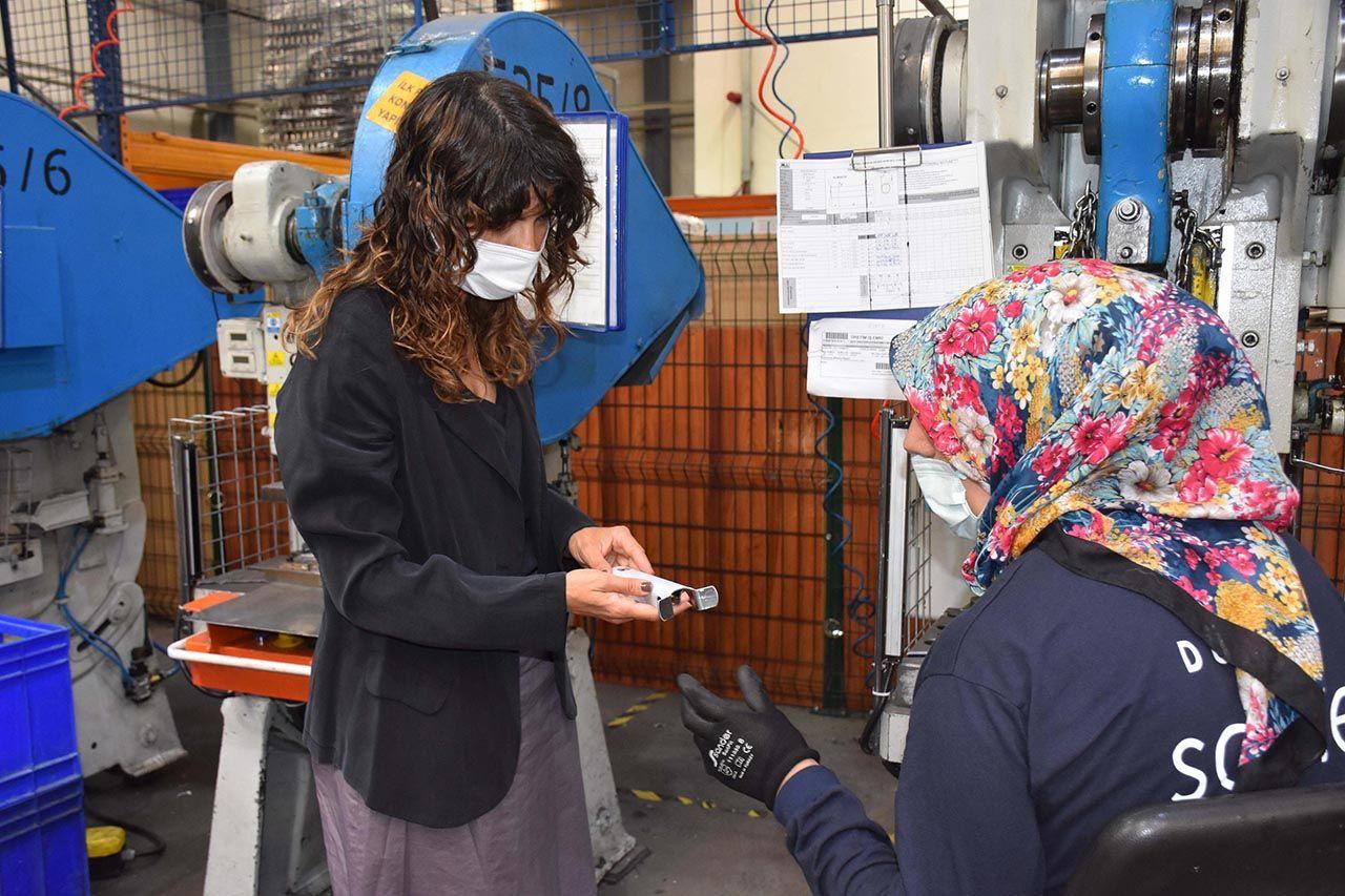 Fabrikanın kaynak tezgahı kadınlara emanet - Resim: 1