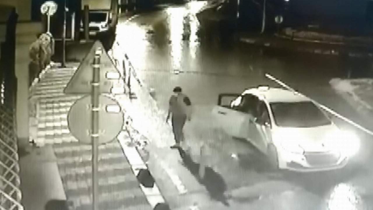İstanbul'da lüks siteye kurşun yağdırdılar