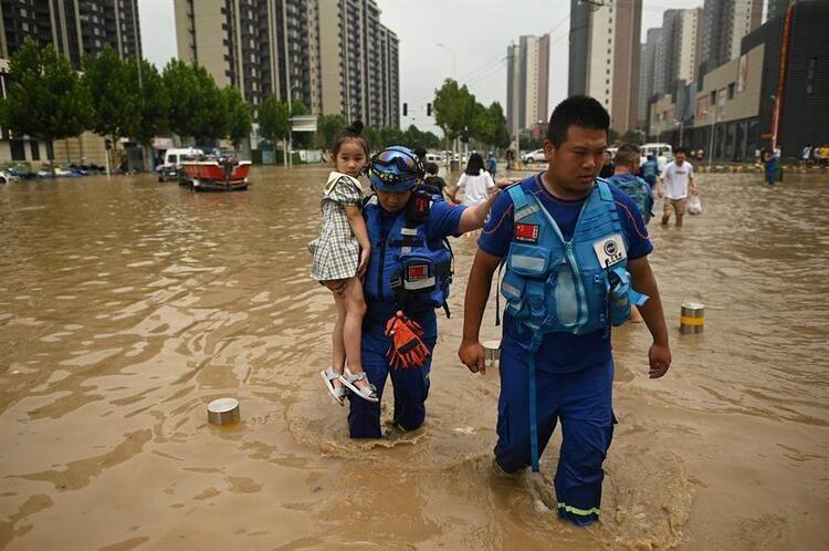 Çin'de su baskını nedeniyle tünelde mahsur kalan 14 işçinin cesedi bulund - Resim: 4