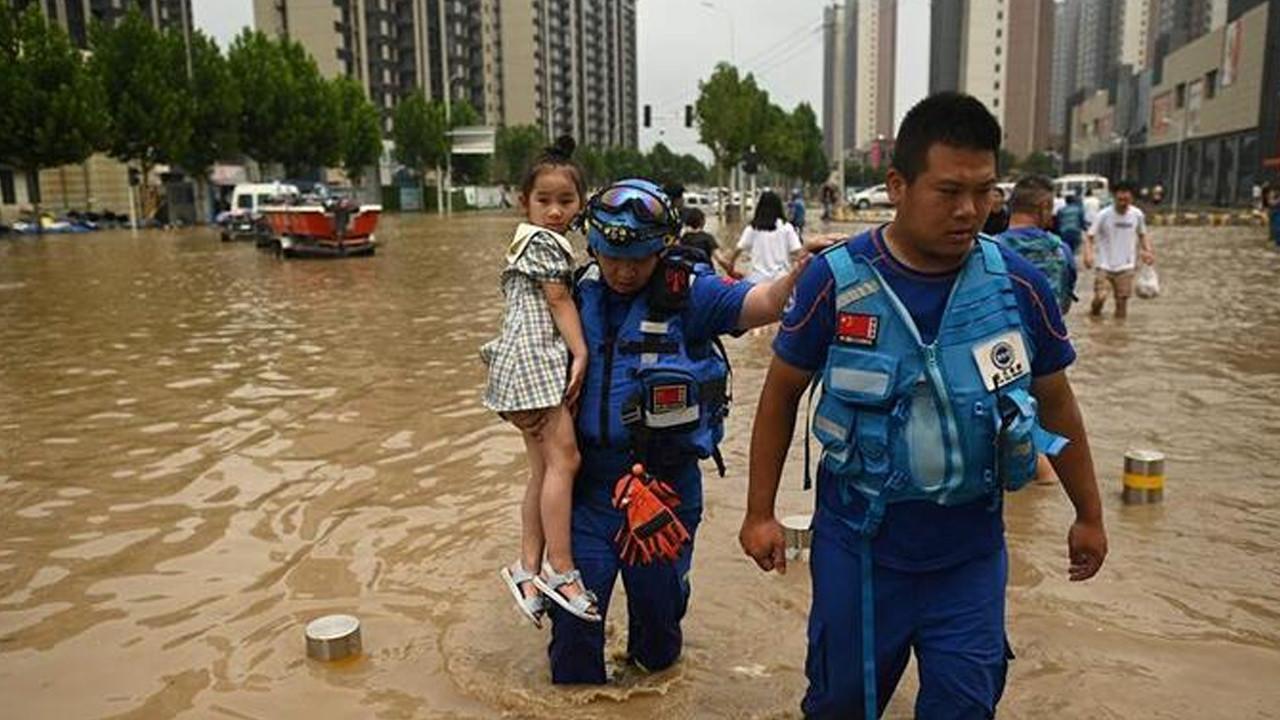 Çin'de su baskını nedeniyle tünelde mahsur kalan 14 işçinin cesedi bulund