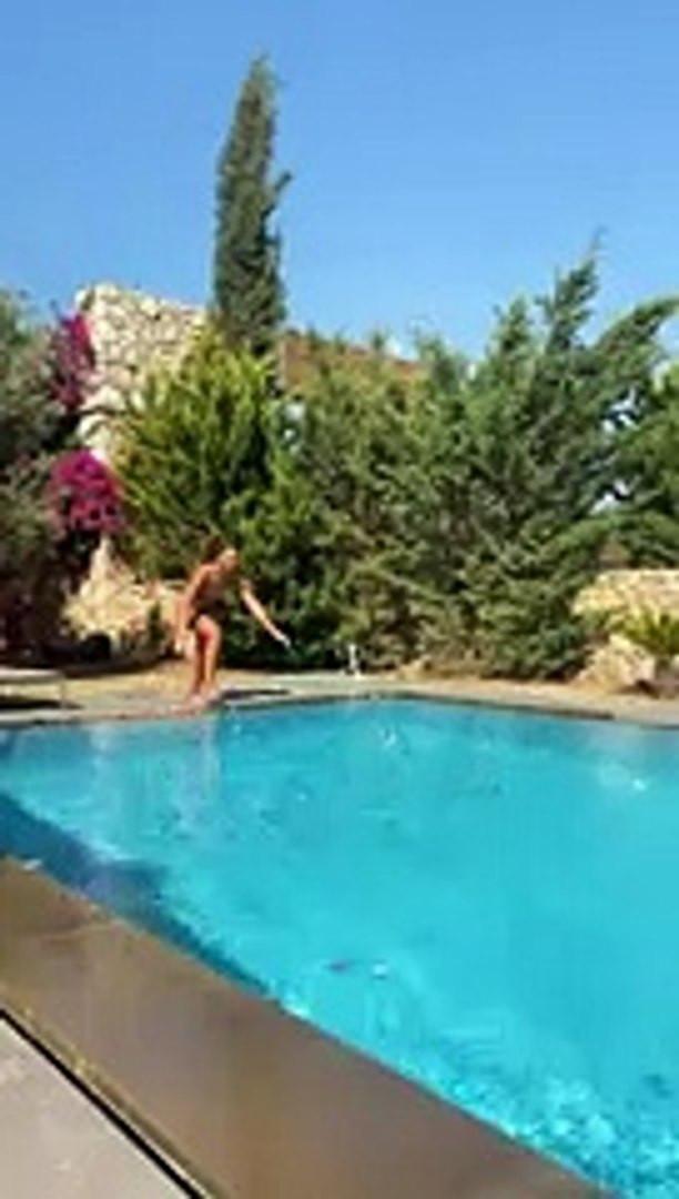 Survivor Aleyna Kalaycıoğlu'ndan bikini şov