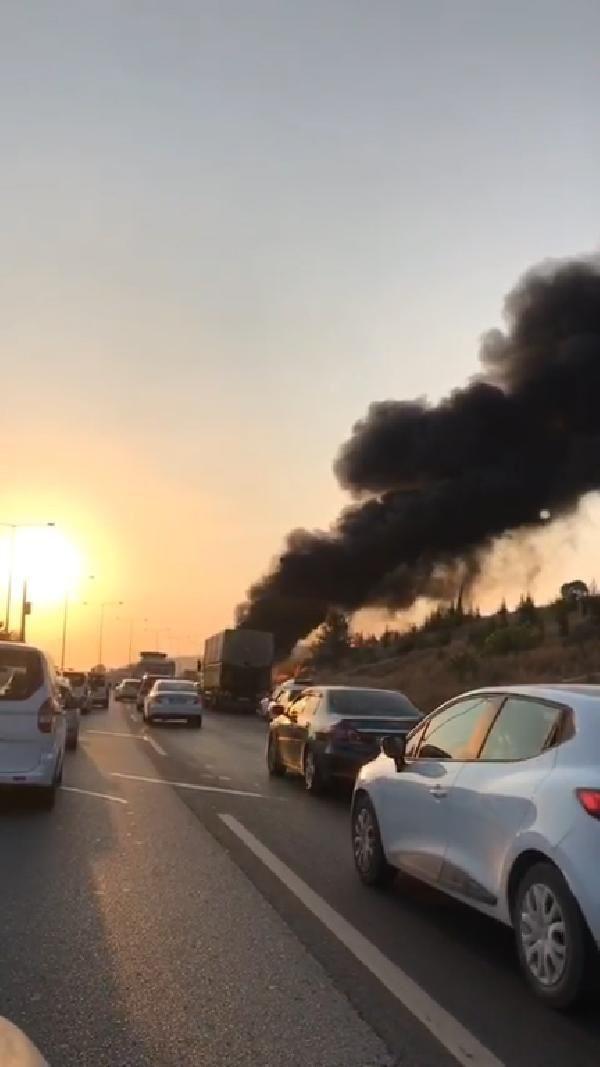 Seyir halindeki otobüs alev alev yandı - Resim: 4