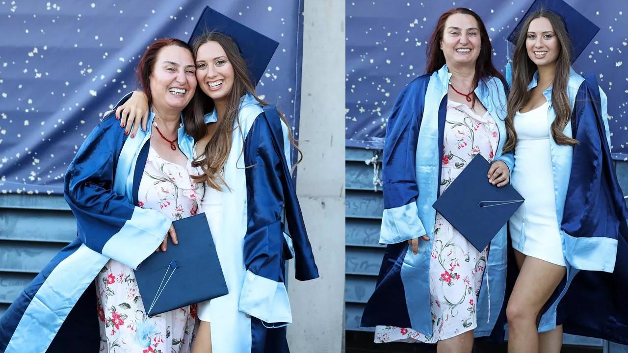 Kızıyla okuduğu üniversiteden birincilikle mezun oldu