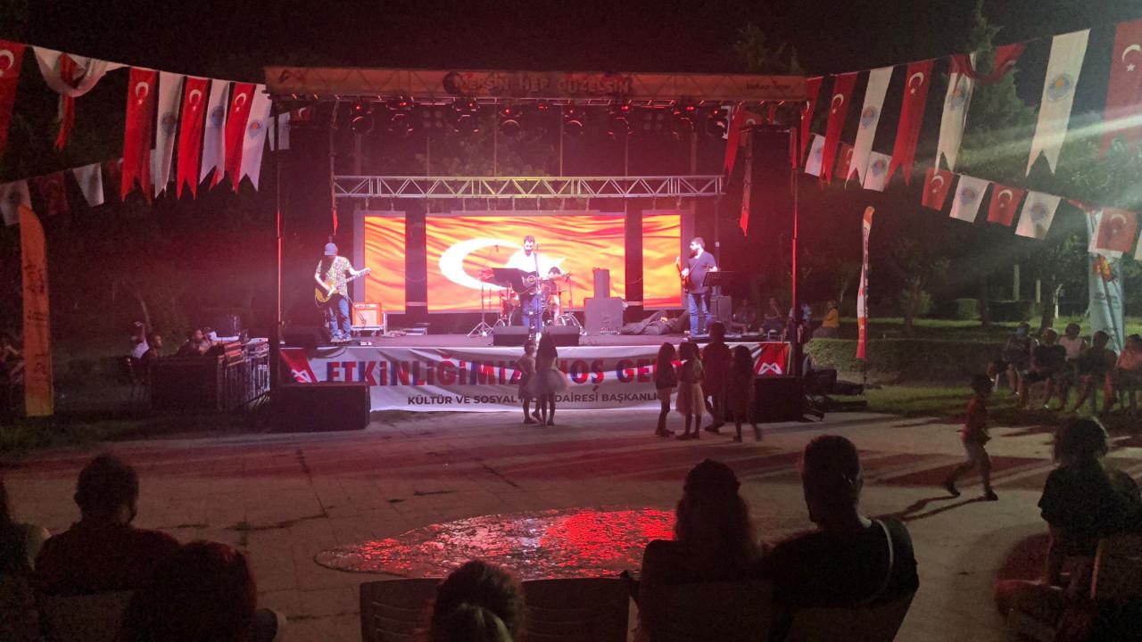 Bayram Mersin Büyükşehir'in konserleriyle karnaval havasında geçti