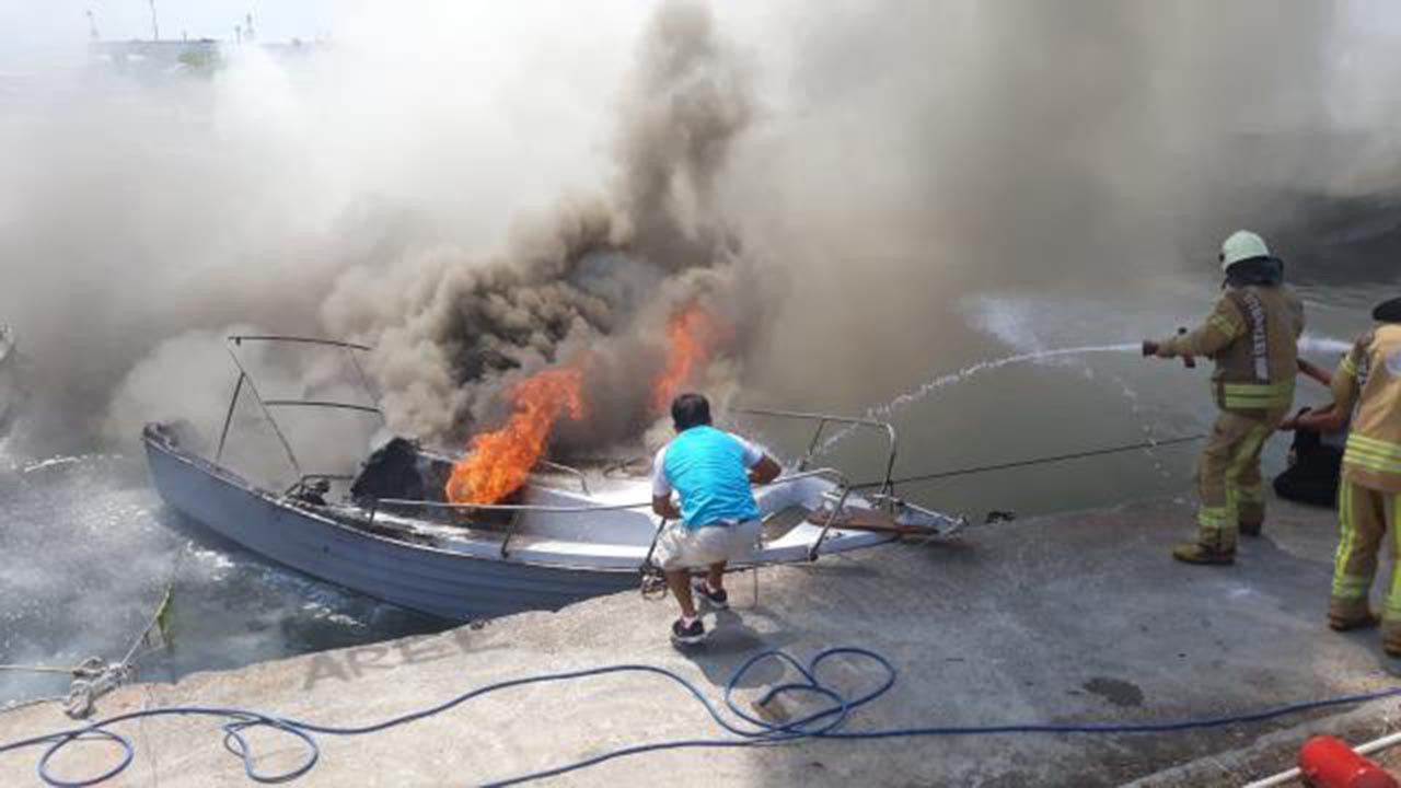 İstanbul'da 9 tekne alev alev yandı