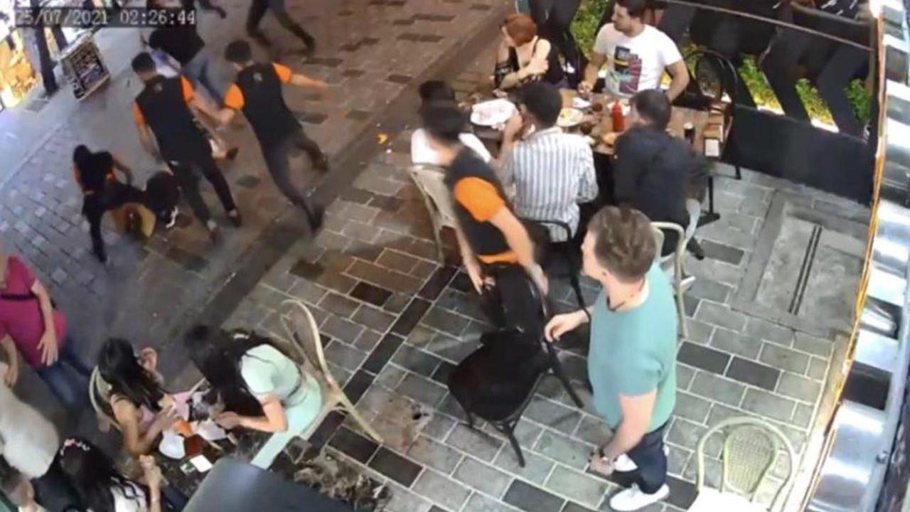 İstanbul'da yine ''yabancı uyruklu tacizci'' vakası! Meydan dayağı kamerada