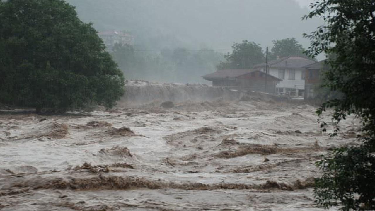Avrupa'ya aşırı yağış, Türkiye'ye su kıtlığı uyarısı