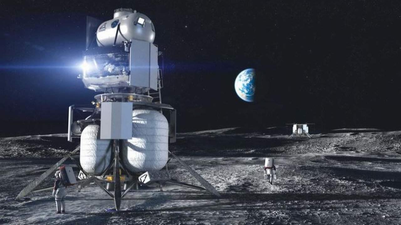 Ay'a astronot taşıyacak araç için dudak uçuklatan teklif