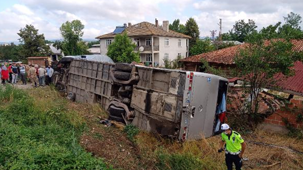 Kastamonu'da otobüs ile otomobil çarpıştı: Çok sayıda yaralı var