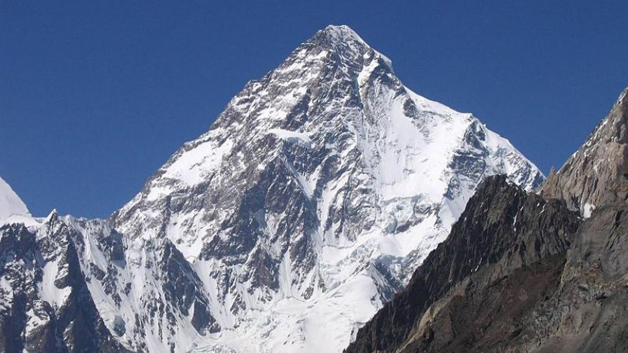 6 ay önce kaybolan dağcıların cesedi bulundu