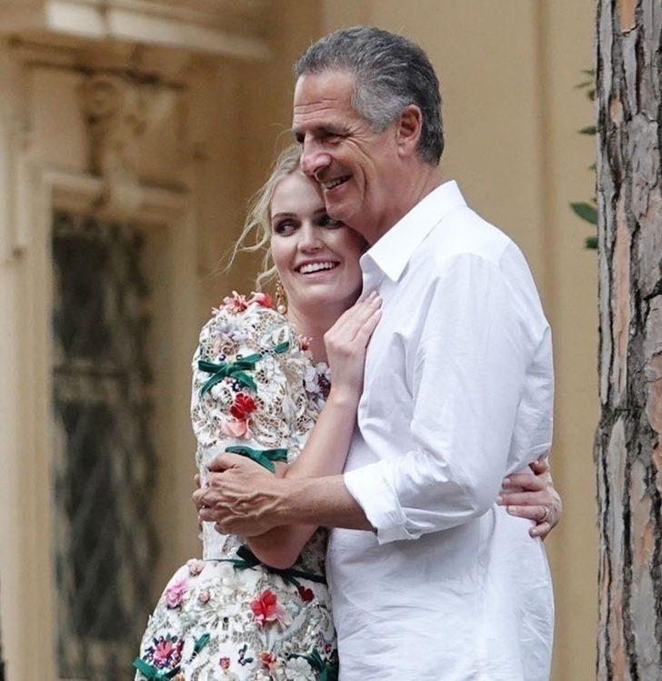 Kitty Spencer babasından 5 yaş büyük milyarder Michael Lewis ile evlendi - Resim: 1