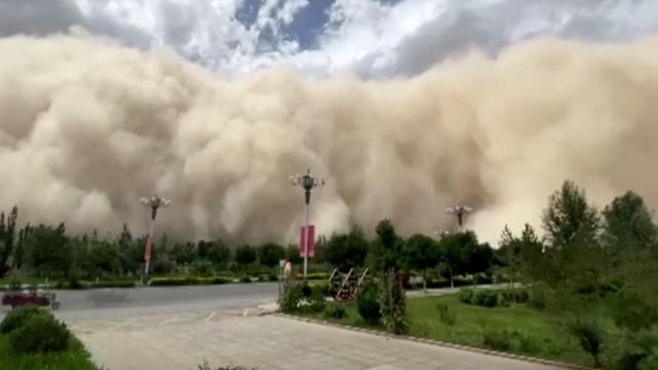 Kum fırtınası şehri böyle yuttu - Resim: 4