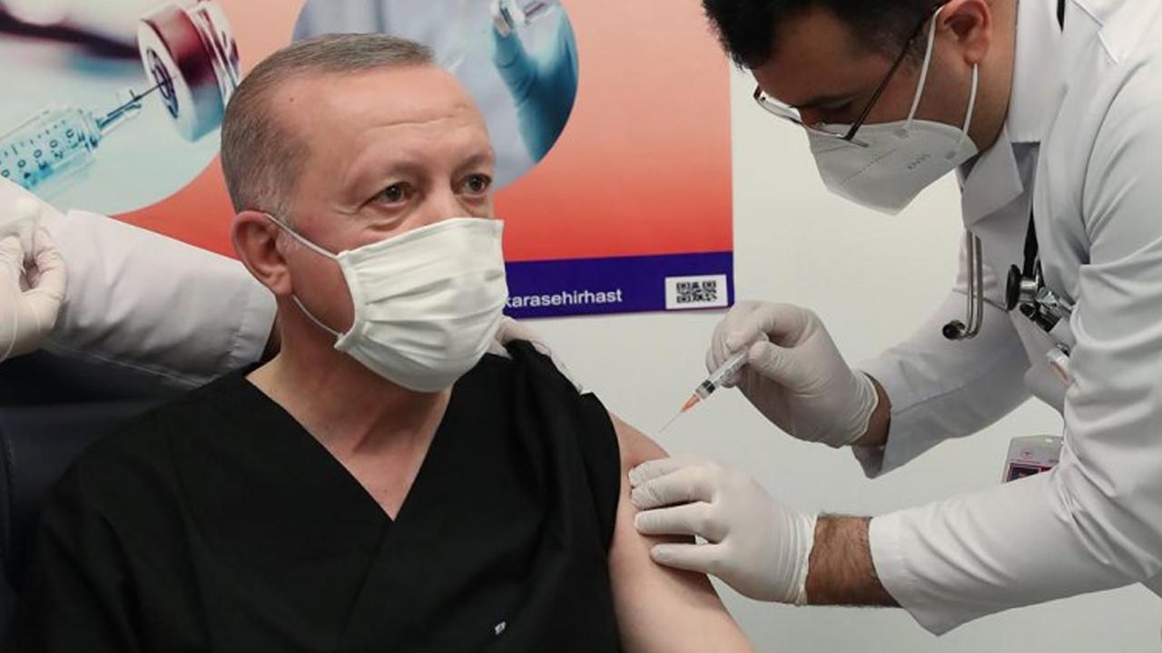 Erdoğan'ın 3 doz aşı olmasını örnek verip açıkladı: Bir problem görseydi...