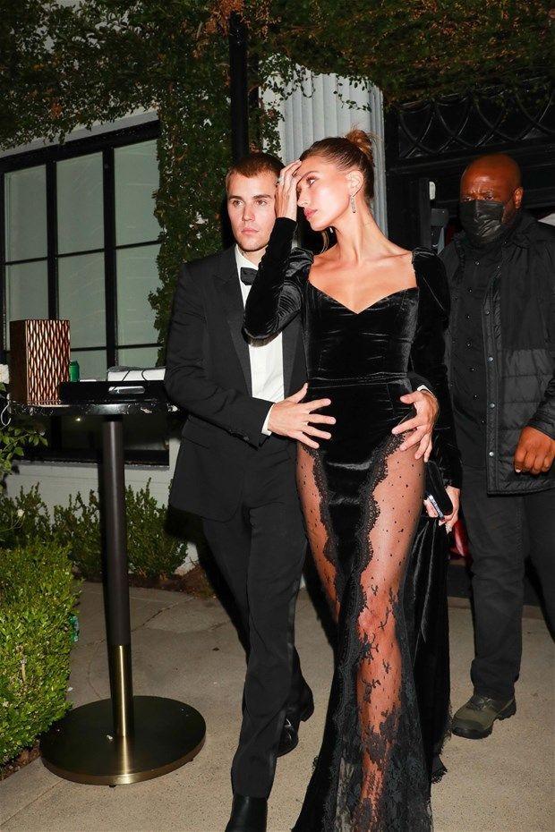 Justin Bieber eşi Hailey Baldwin'in transparan kıyafetine böyle önlem aldı - Resim: 2
