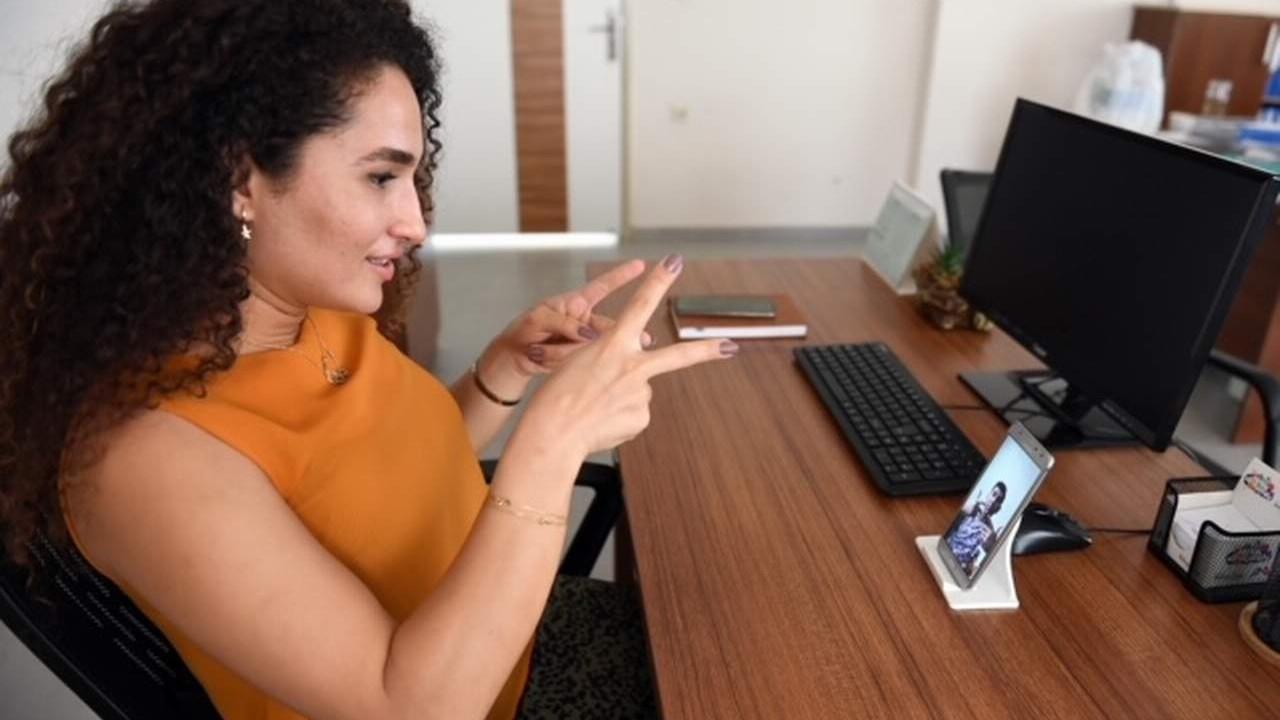 Mersin'de Büyükşehir'den işitme engelli vatandaşlara dev hizmet