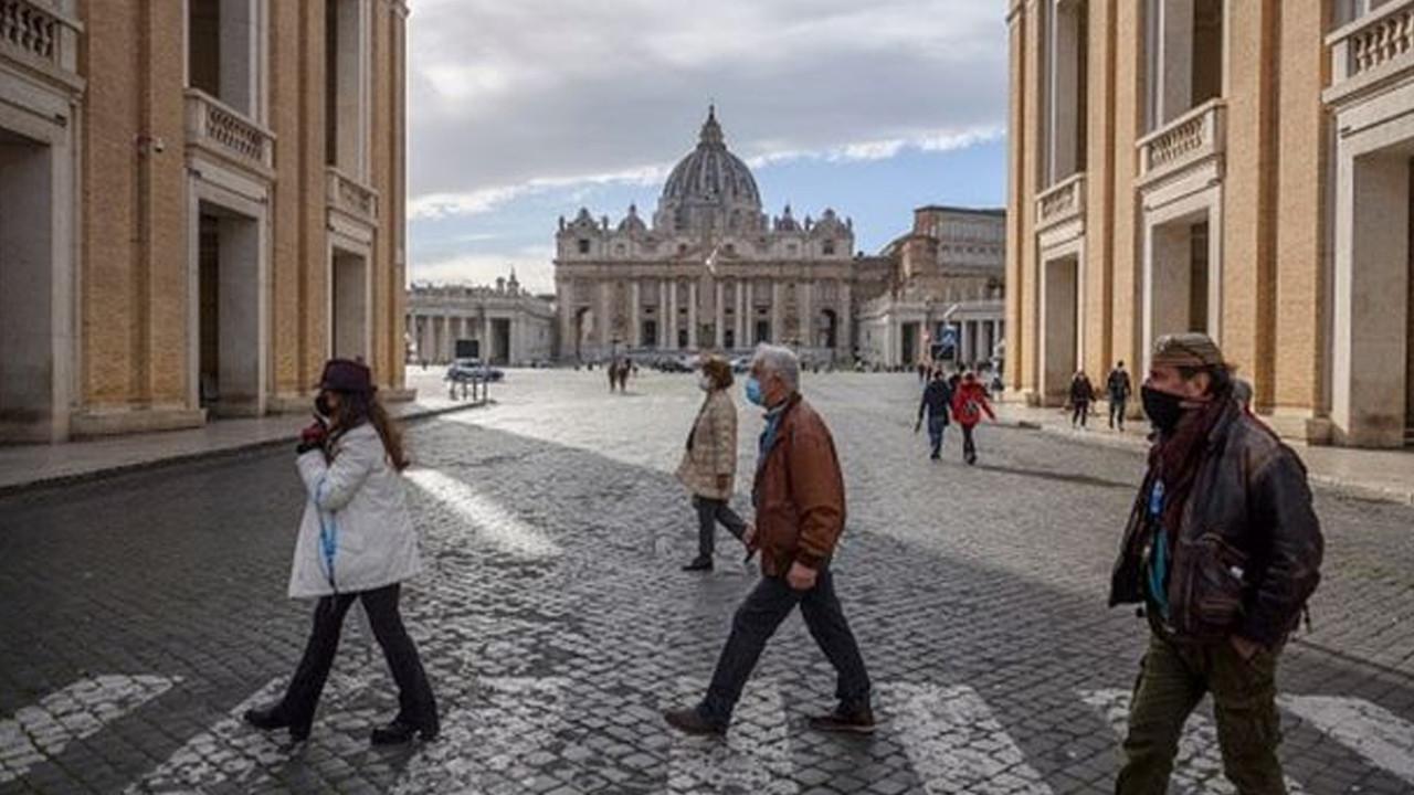 İtalya: Ölenlerin yüzde 99'u aşı olmadı