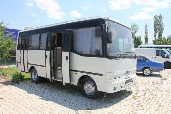 Görenler hayran kalıyor: 60 bin lira harcayarak otobüsü lüks karavan haline getirdi - Resim: 1