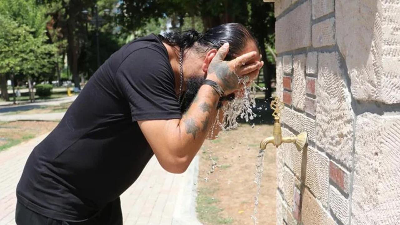 Adana cehennemi yaşıyor: Az önce uyuyan adamı öldü sandık