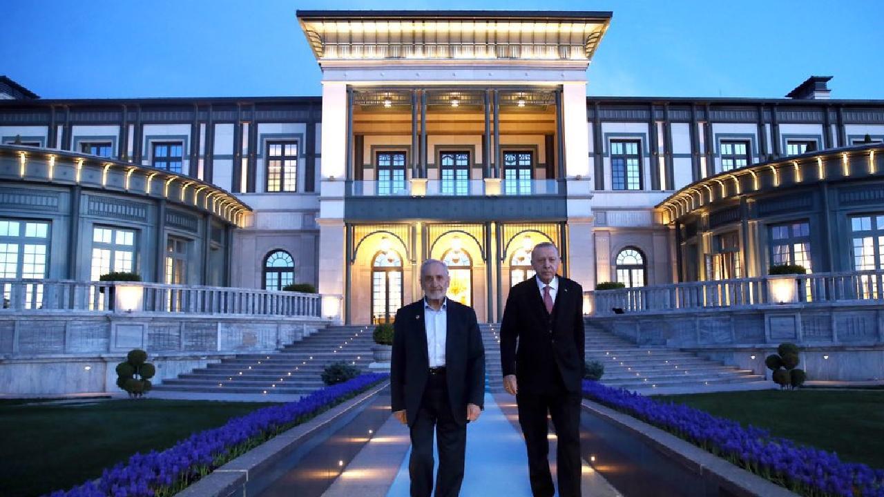 Erdoğan ile yakınlığıyla bilinen Asiltürk'ten Saadet Partililere: ''Bana itaat sözü verdiniz''